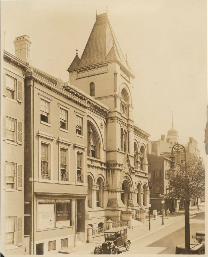 Central ibrary exterior 1886